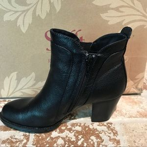 Sofft NWT Size 6